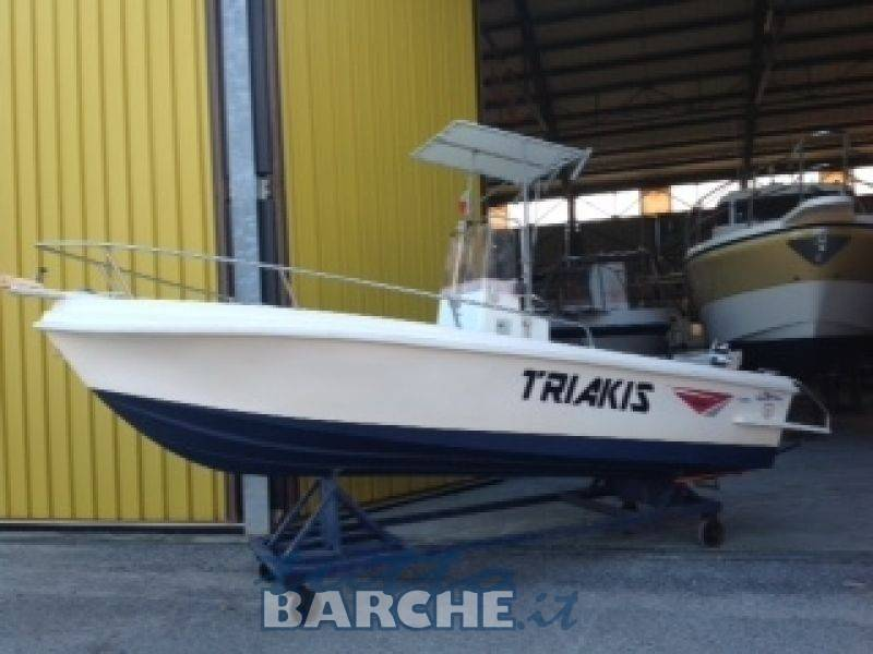 TRIAKIS 17.5 FISHERMAN
