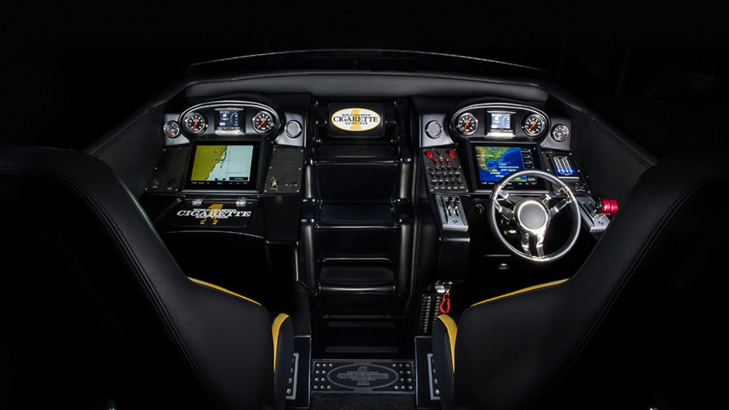 cockpit-barco-mercedes-benz-1024x576