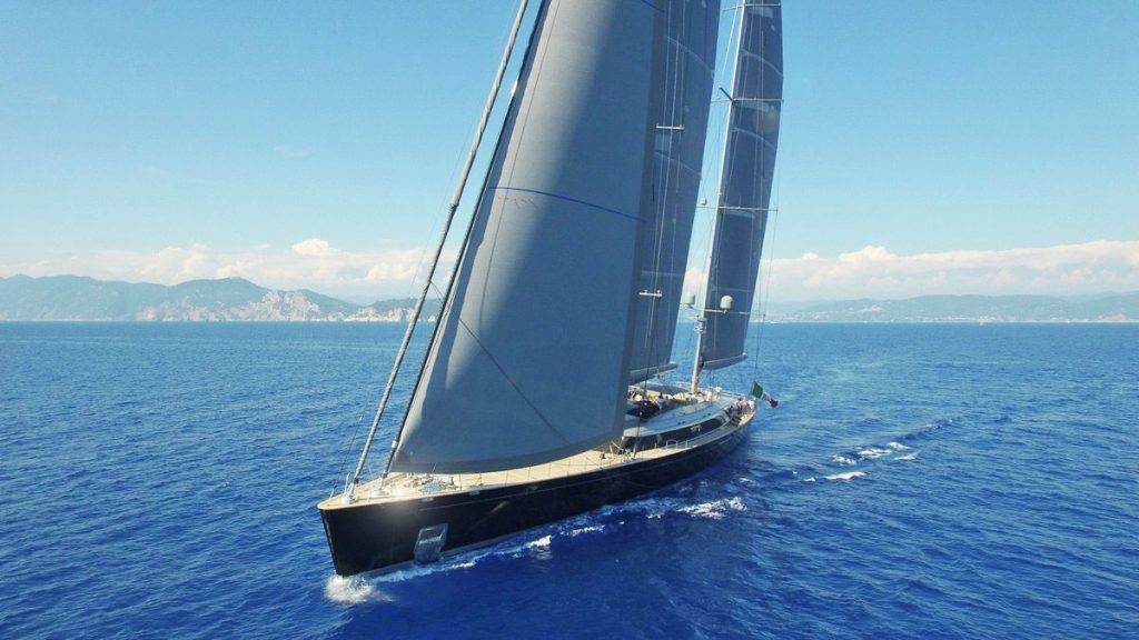 Sybaris, el ketch de 70 metros de Perini Navi gana dos premios de la International Superyacht Society