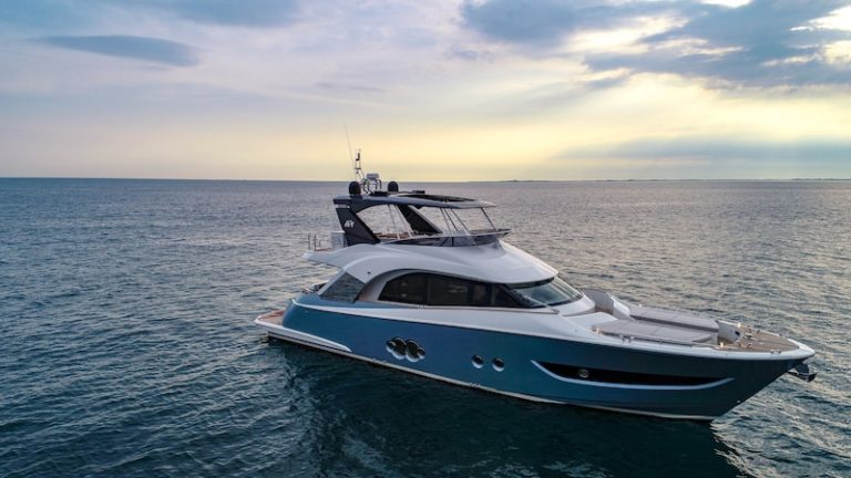 MCY 66 Monte Carlo Yachts mar