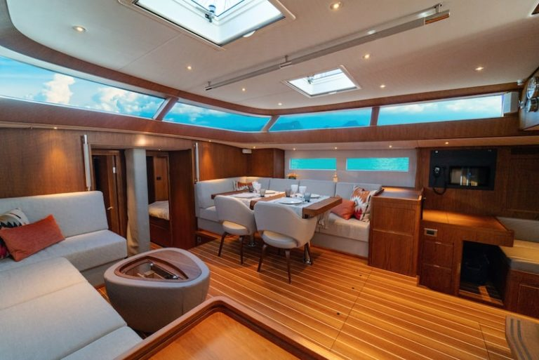 Dinette Contest Yachts