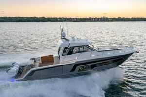 Ocean Alexander Divergence 45 Coupe, perfil