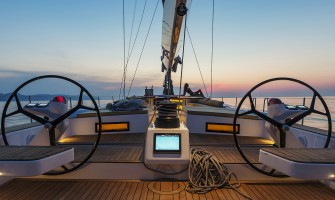 100 Millas a bordo del Advanced Yachts A80